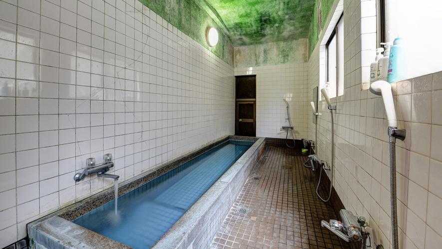 *柔らかな湯触りで、観光で疲れた身体に嬉しい人工温泉です。