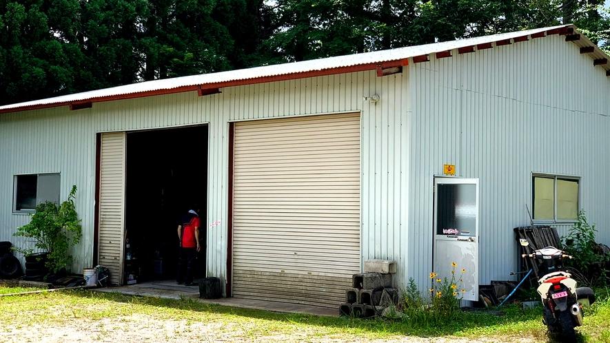屋根付ガレージあります