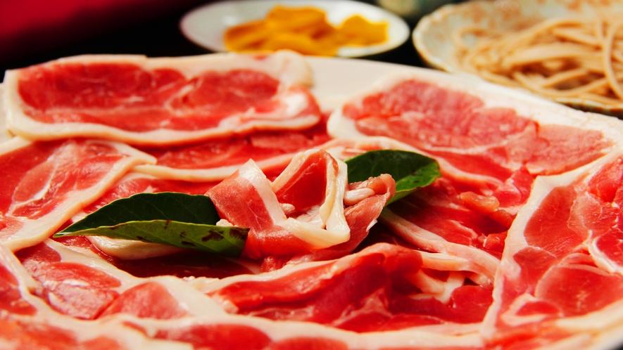 鴨肉は、鶏肉よりもしっかりとした味わいがあり、おすすめ食材の一つです。体もあたたまります♪