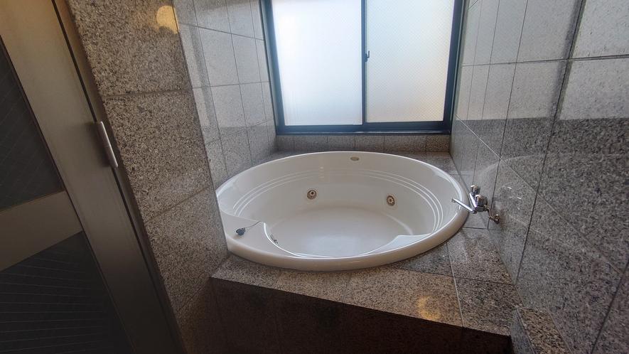 スイート・浴室