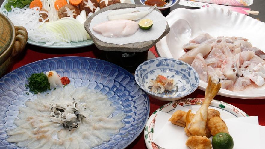 冬の淡路といえば、フグ!お刺身から白子焼き、フグ鍋など様々な食べ方を味わえます。