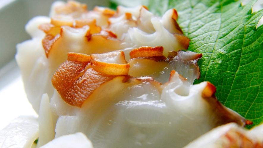 淡路島の西浦でとれるタコを使った料理【創業124年川長旅館の蛸料理】新鮮ぷりぷりで歯応え◎