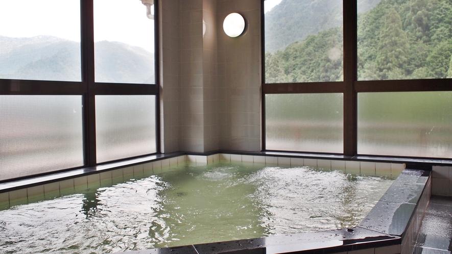 *【大浴場】温泉ではございませんが、男女別でのんびりご入浴ができます。