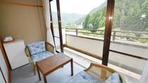 *【和室8畳のお部屋】 窓からの眺め