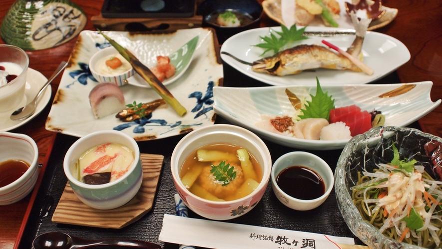 *【夕食一例】地元の山川の味覚を楽しめるお食事となっております。