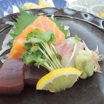 *【夕食一例】旬の食材を使ったお料理の数々。