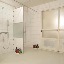 *【大浴場】シャワーブースもございます。