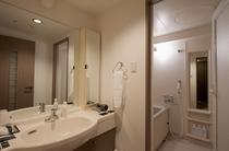 客室内バスルーム