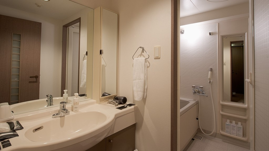客室内バスルーム(例)