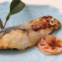 ブリの焼魚(冬季)