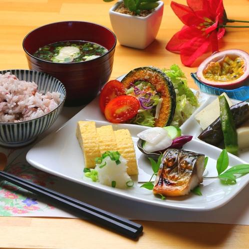 【朝食一例】手作りの美味しい朝ごはん!豊富な献立で朝から元気満タン!