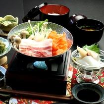 【夕食】種子島ブランド・安納黒豚の鍋料理が楽しめるスタンダードお料理一例