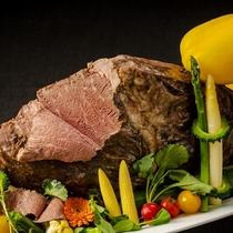 【6月】ディナーブッフェ/県産牛もも肉のロースト
