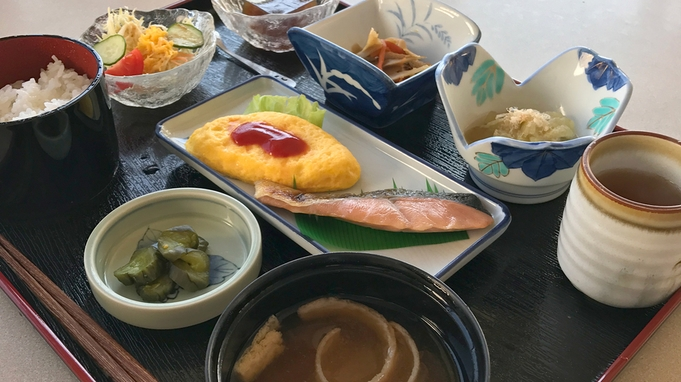【秋冬旅セール】【2食付】ご夕食はリーズナブルに★夕食御膳/日替わりメニューで当日までお楽しみに!