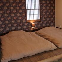 露天風呂付客室(海側:ぼたん)寝室