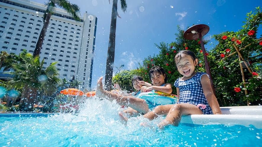 【夏季ガーデンプール】ご宿泊の方なら、ご滞在中ご利用無料!