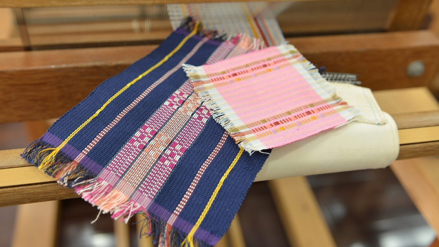 【首里織体験】琉球王朝時代、王族や貴族・士族にしか着ることが許されなかった格式高い織物を手軽に体験
