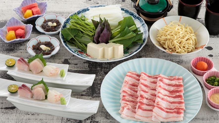 【日本料理・富士】人気メニュー!沖縄の味覚を堪能「あぐーしゃぶしゃぶ」。