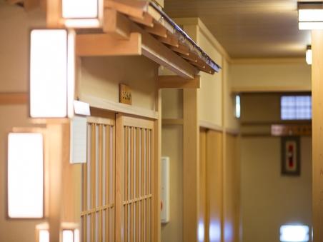 【2階】和室(8畳+8畳)※トイレなし