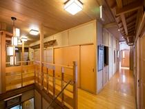 2階も広々開放的な造りです