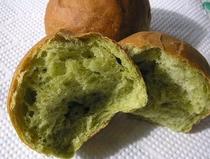 桑の葉の焼きたて手作りパン