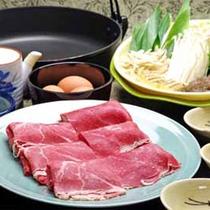 黒毛和牛すき焼き  前菜・ごはん又はうどんがつきます