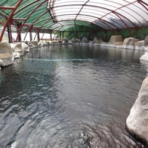 *【露天風呂】当館自慢の奥行き23メートルの豪快な露天風呂。