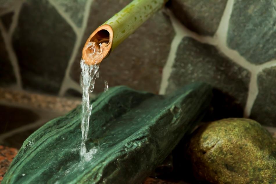 湯端の湯源泉口