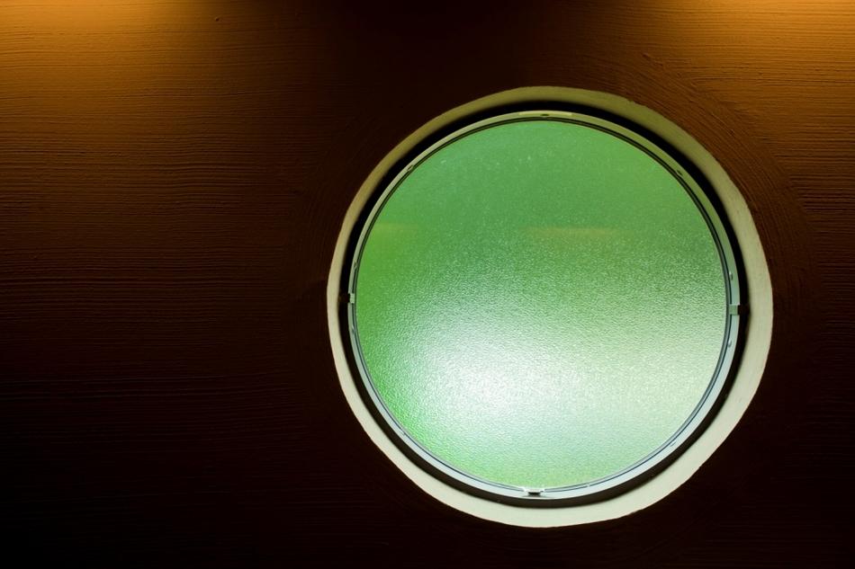 ホタルの湯丸窓