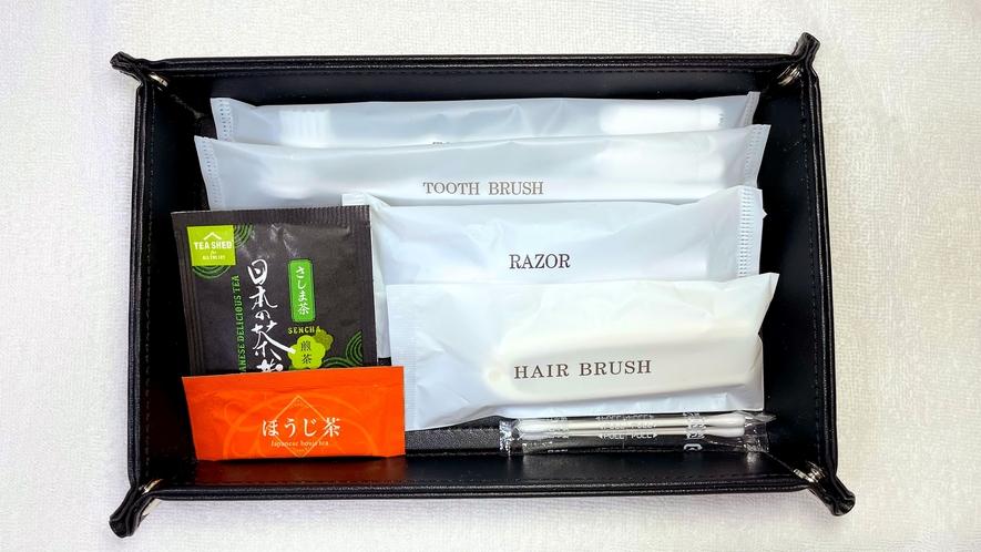 無料アメニティ:歯ブラシ・髭剃り・ヘアブラシ・綿棒・お茶