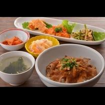 日替わりの夕食イメージ♪(和食メイン:生姜焼き)毎日メニューが楽しみです♪