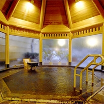 【大浴場】白浜温泉の中でも上質な≪甘露の湯≫はとろみのあるお湯でお肌がつるつるに!