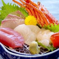 【夕食-お造りグレードUP一例】新鮮さは白浜ならでは!旬の魚介をお造りで召し上がれ♪