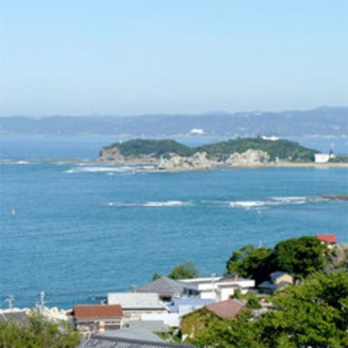 【お部屋からの景色一例】お部屋からは海がご覧いただけます。海を眺めながら寛ぐ贅沢♪