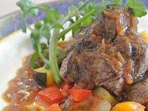 《ある日のお料理》牛フィレ肉のステーキシャリアピンソース 自家栽培のクレソンを添えて