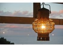 【マリンランプ】実際の船舶で使用されてきたオランダ老舗メーカーのランプ。優しい灯りが心を癒します。