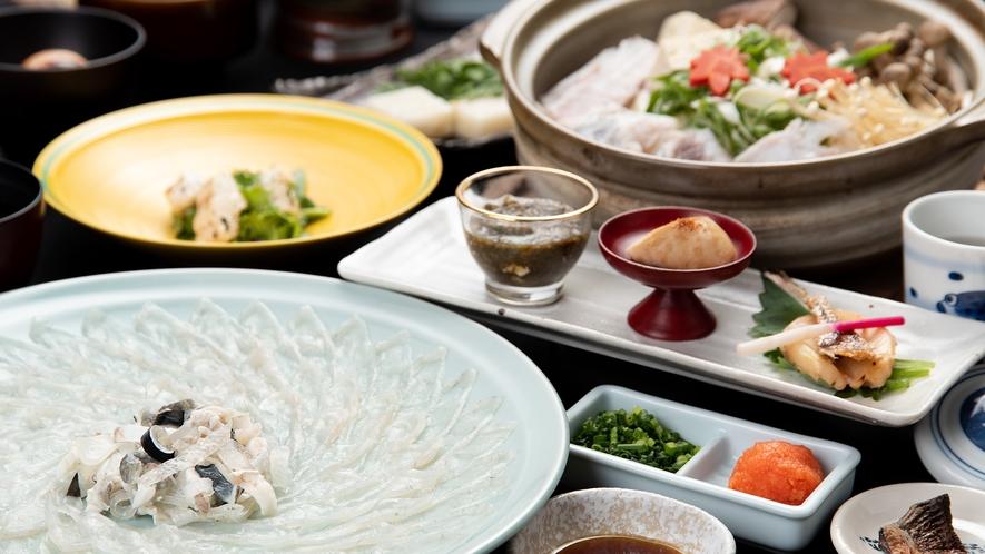 *【夕食一例:ふくフルコース】ふく刺し(大皿)、ふく唐揚げ、ふく雑炊など贅沢な会席です♪