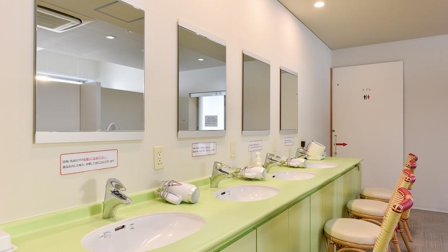 *【お風呂:脱衣所】いつも清潔を心がけております。