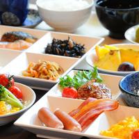 姉妹館【さくら亭】での朝食バイキング(一例)