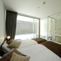 蓮 ベッドルーム シモンズ社製ツインベッドをご用意。ご就寝中も、あなたをリラクゼーションの世界に誘い