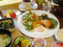 ご朝食一例