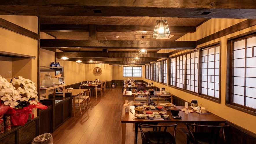 *御食事処 ~秋田木工のイス・テーブルでお食事を~