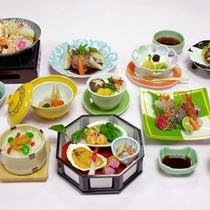 *【夕食一例】彩豊かに見た目にもこだわった「季節の会席料理」