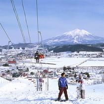 *【そうまロマントピアスキー場】雄大な岩木山を眺めながらスキースノボを楽しみ下さい!