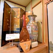 *神殿/華やかさと気品を持つ雅なオブジェ。旅先で出会う素晴らしい工芸品に魅せられて。