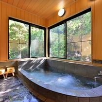 *家族風呂/ジャグジー備え付けの湯船で癒しのひと時をお過ごし下さい。