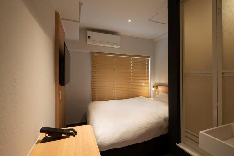 シングルルーム 日本ベッド 140cm × 200cm