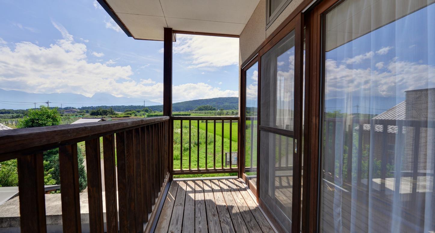 *和室12畳(客室一例)/南アルプスから吹く心地よい風に癒されて。