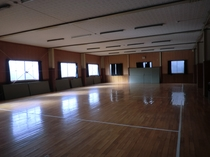 宿と直結の体育館