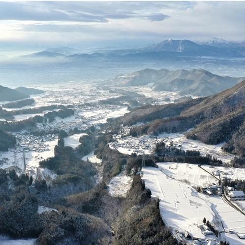 美しい高山村で、冬の里山を体験してください